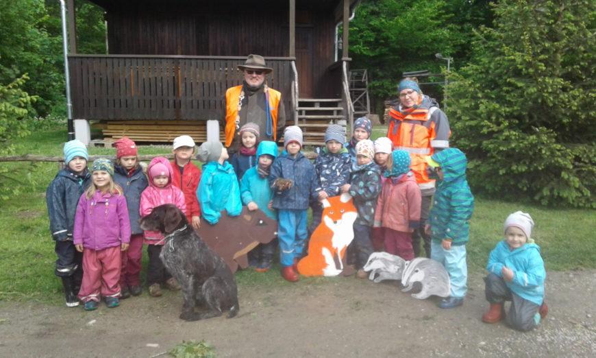Waldkindergarten Endingen zu Besuch bei Wyhler Jäger
